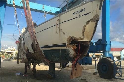rozbity jacht